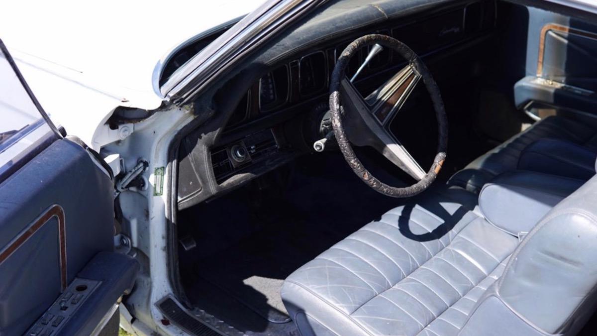 Из купе Lincoln сделали шестиколесный пикап 3