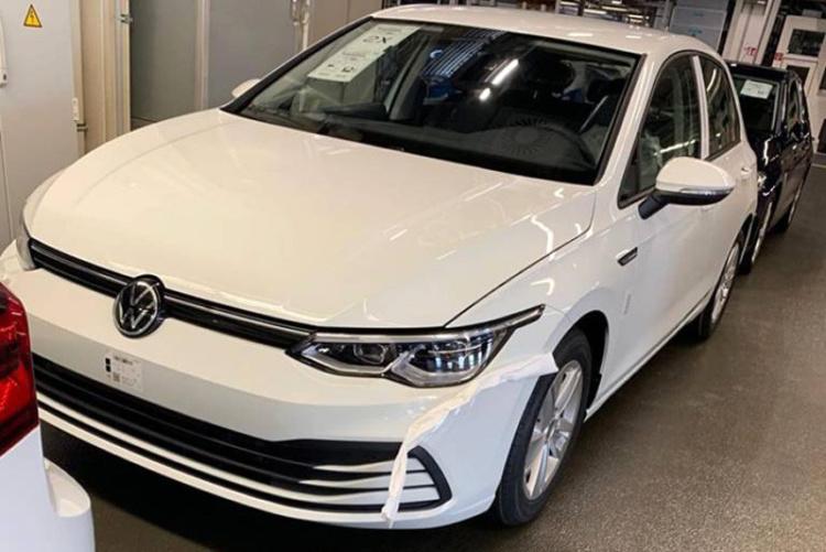 «Живые» фотографии нового Volkswagen Golf утекли в Сеть 1