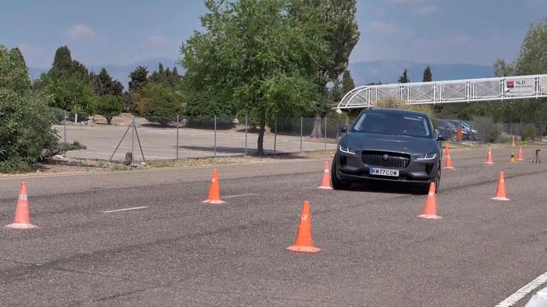 «Лосиный тест» выявил неожиданную проблему Jaguar I-Pace 1