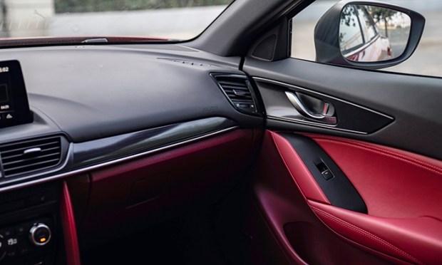 Купеобразный кроссовер Mazda CX-4 показался на официальных снимках 2