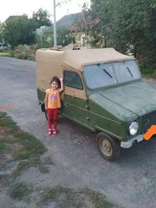В Украине продали уникальный 50-летний автомобиль 2