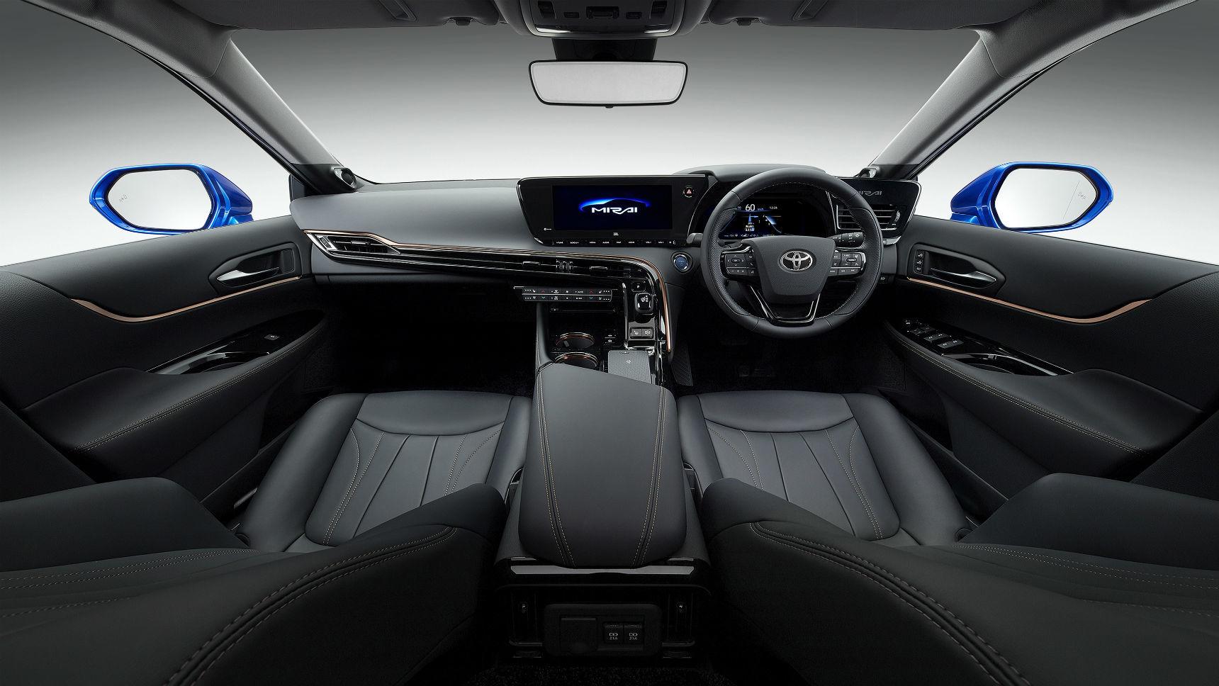 Toyota показала второе поколение своего водородомобиля 3