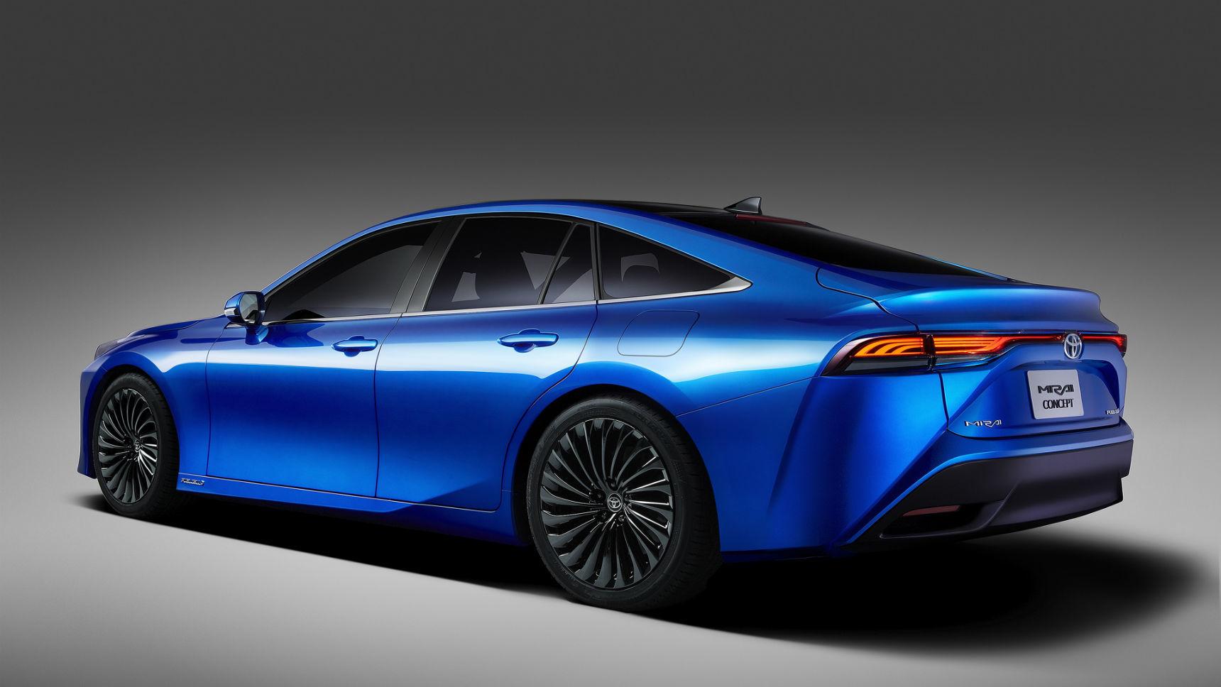 Toyota показала второе поколение своего водородомобиля 2