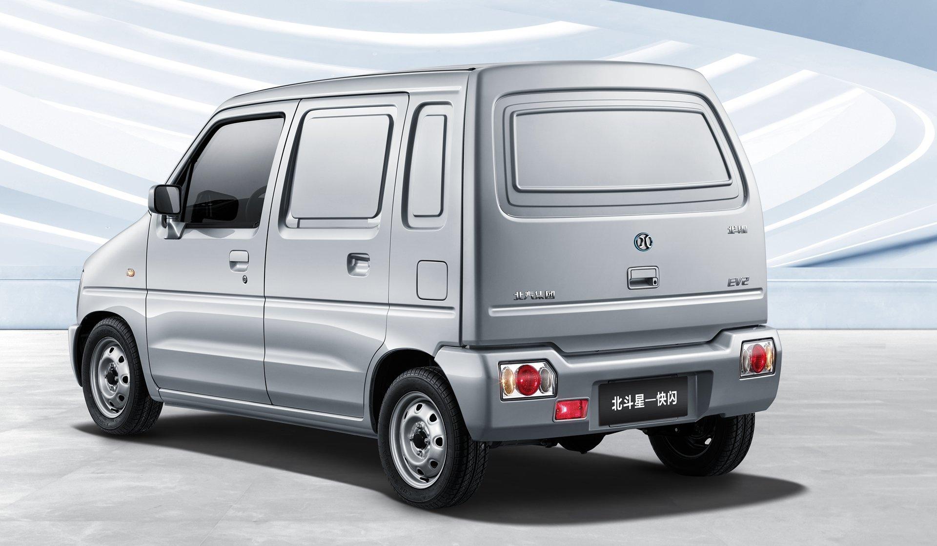 Китайцы построили ультрадешевый электрический фургон 2