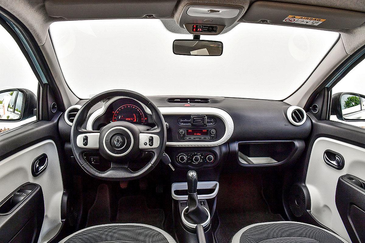 «Маленький, но удаленький»: тест-драйв подержанного Renault Twingo 4