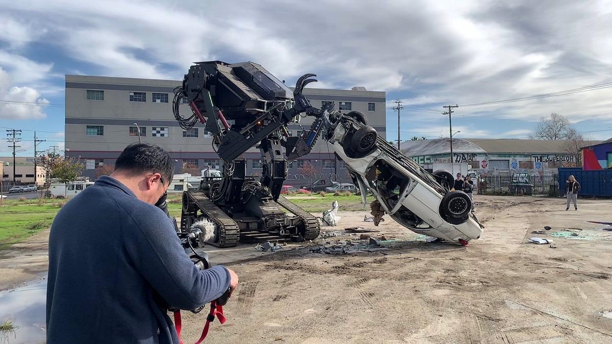 Гигантского боевого робота с двигателем от Corvette выставили на продажу 2