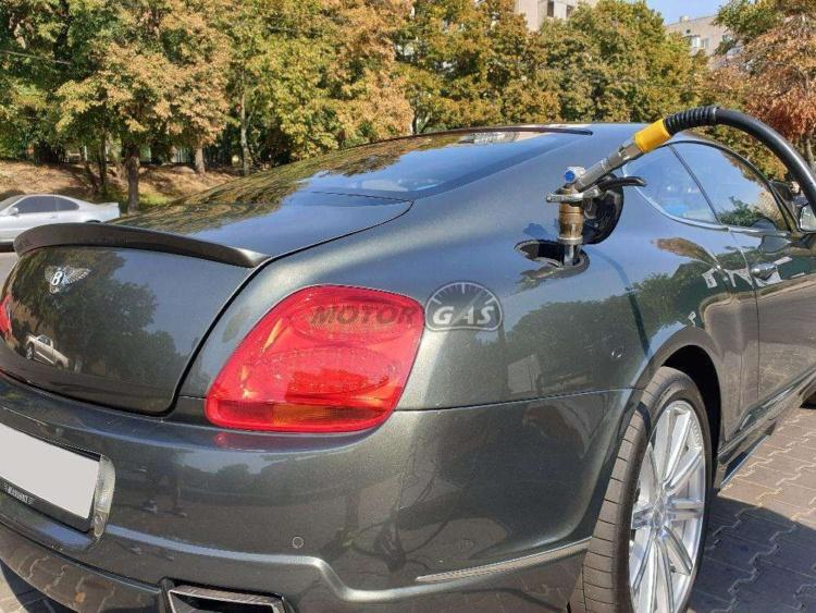 В Украине появилась Bentley с ГБО 2