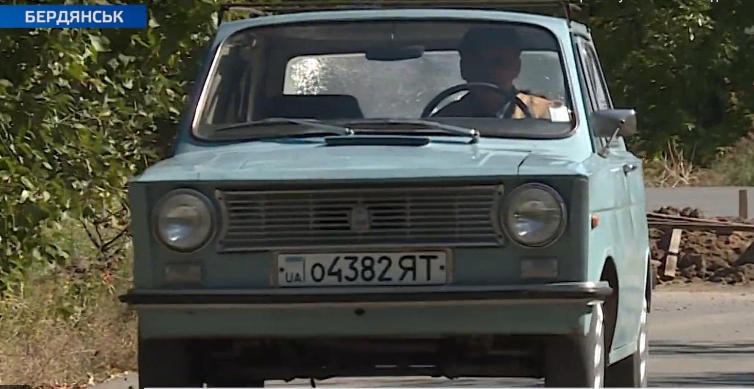 Украинец уже четверть века ездит на самодельном автомобиле 1