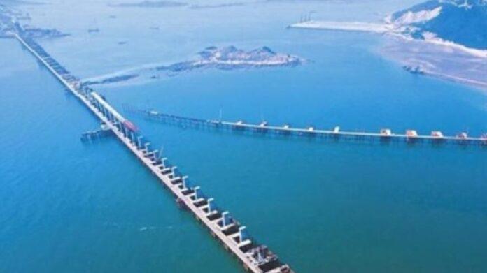 Завершилось строительство самого большого моста в мире 1