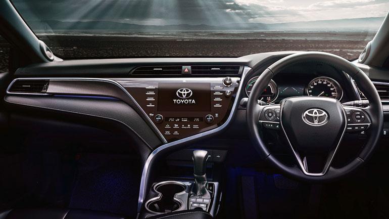 Toyota Camry получила систему полного привода 1
