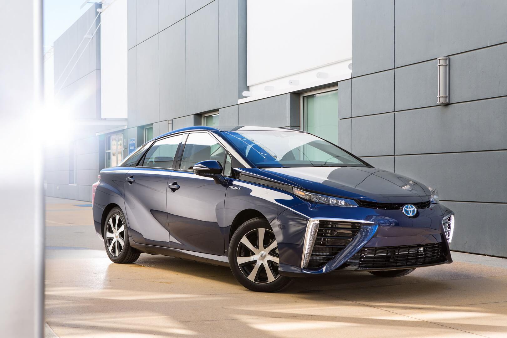 Toyota выпустит второе поколение своего водородомобиля 1