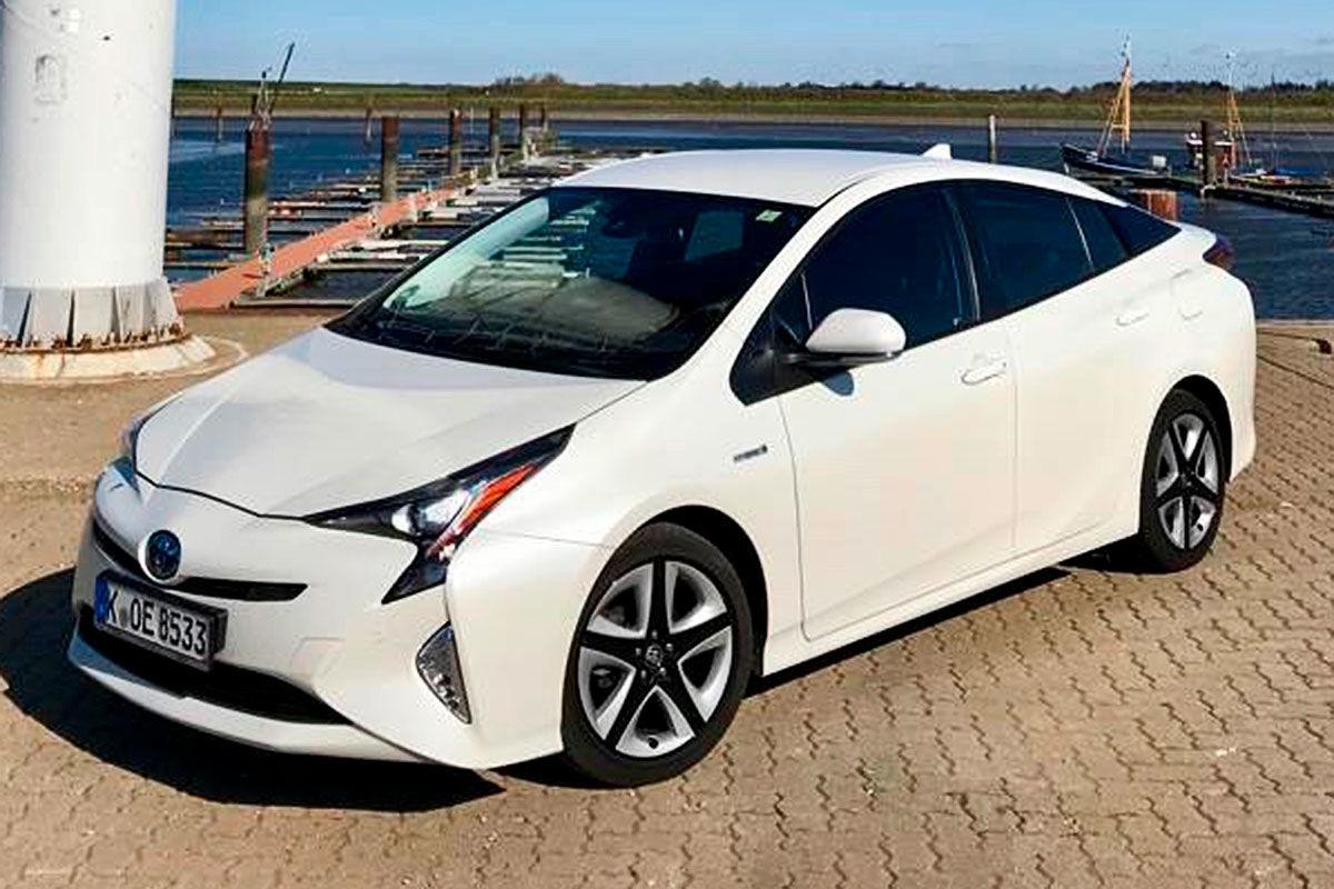 «Неубиваемая лошадка»: тест Toyota Prius с пробегом 100 тысяч километров 1
