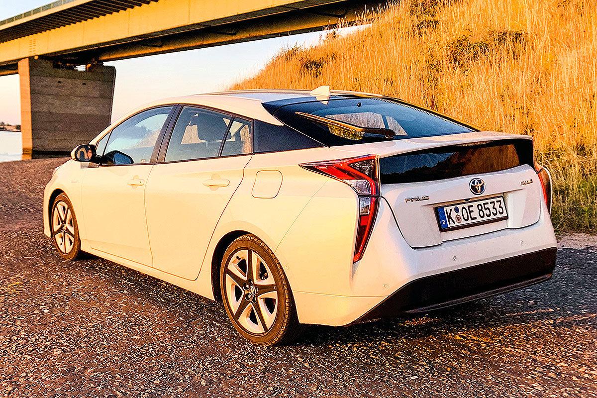 «Неубиваемая лошадка»: тест Toyota Prius с пробегом 100 тысяч километров 3