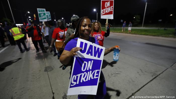 Почти 50 тысяч сотрудников General Motors устроили забастовку 1