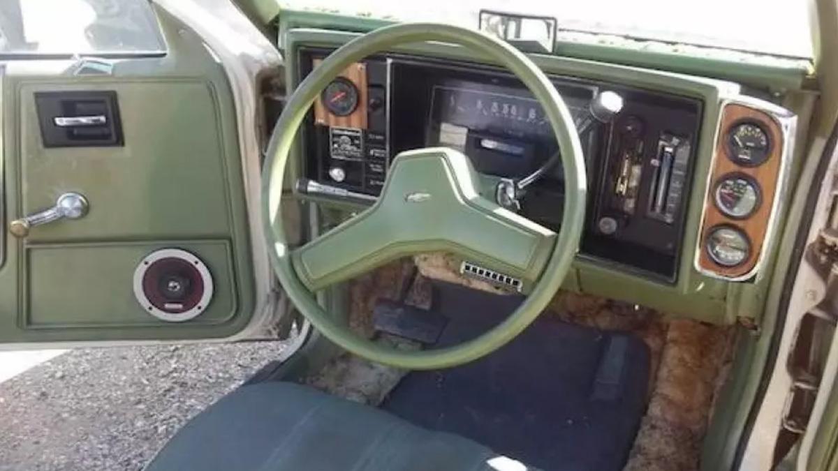 Старый Chevrolet превратился в трехколесное «нечто» 2