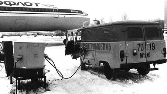 В Сети показали электромобиль 1980 года, построенный на базе «Буханки» 1