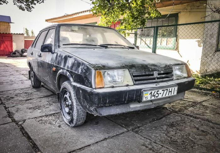 В Украине обнаружили ВАЗ-21099, который четверть века простоял в гараже» 1