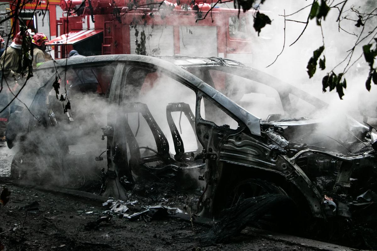 В Украине электромобиль сгорел сразу после зарядки 1