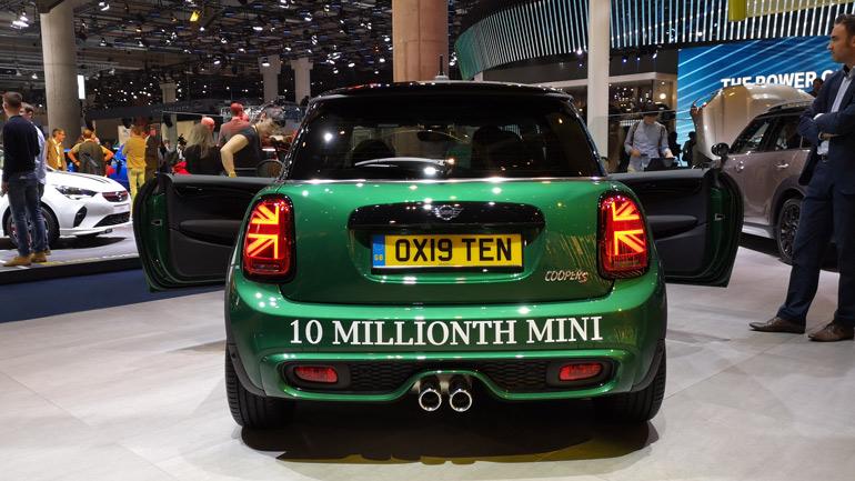 Компания MINI выпустила 10-миллионный автомобиль в своей истории 1