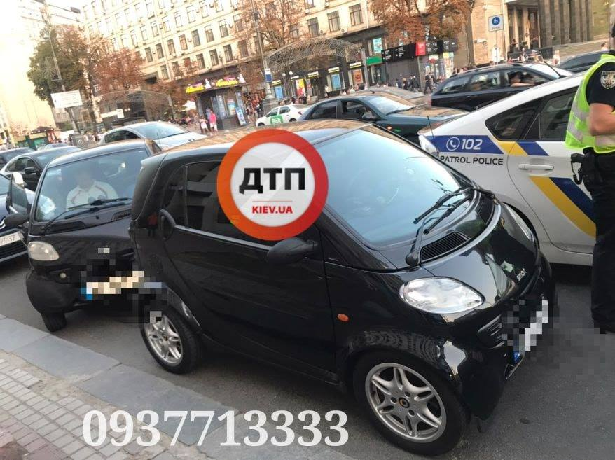 Украинка случайно обнаружила абсолютную копию своего автомобиля 1