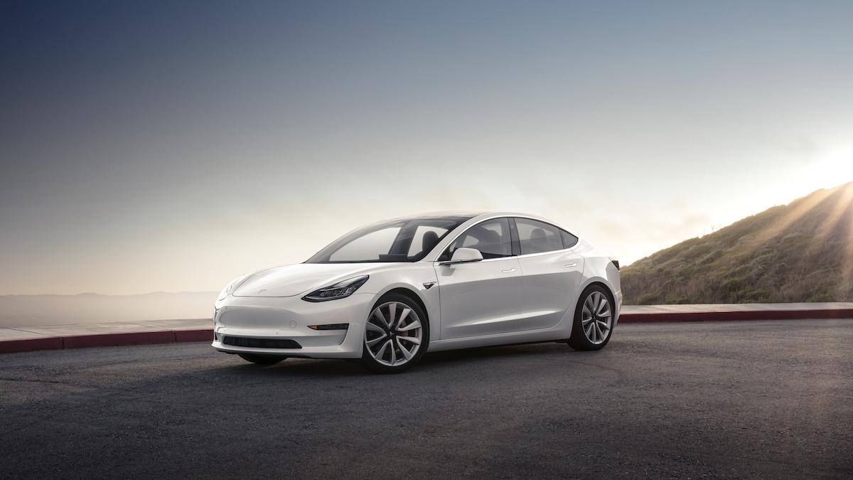 Владельцы Tesla лишились доступа к машинам из-за сбоя в приложении 1