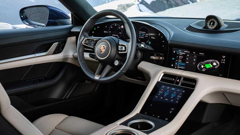 Электрический Porsche Taycan показан официально 3