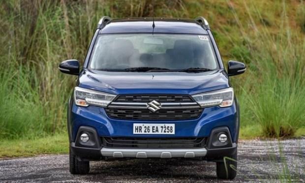 Новый кросс-вэн Suzuki XL6 2020 собирает очереди 1