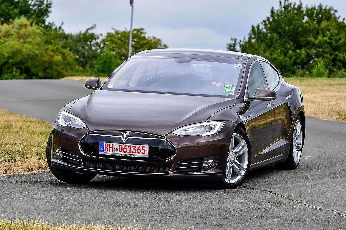 «Противоречивые чувства»: тест-драйв подержанной Tesla Model S 1