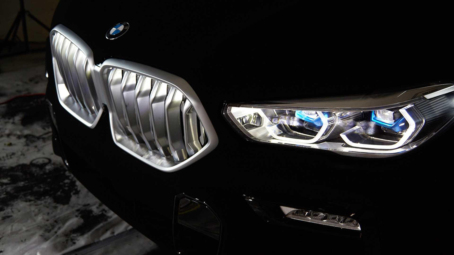 BMW показала самый черный X6 3