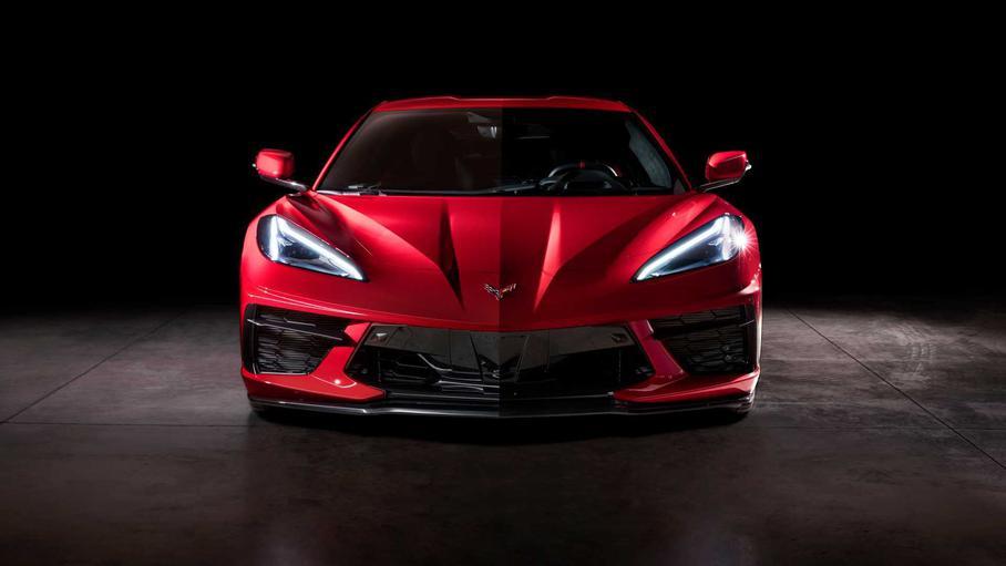У нового Chevrolet Corvette разные наружные зеркала 1
