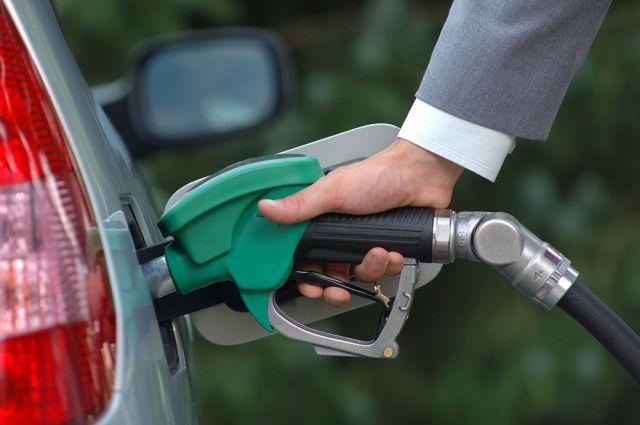 Сколько бензина можно купить на одну зарплату 1