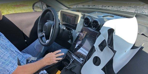 Следующий Mercedes-Benz C-класса радикально поменяет салон 1