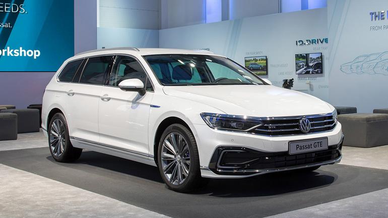 Volkswagen увеличил запас хода гибридного Passat GTE 1