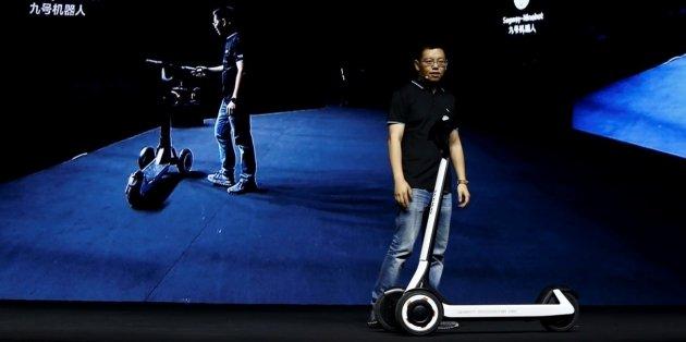 В Китае представили самокат-беспилотник 1