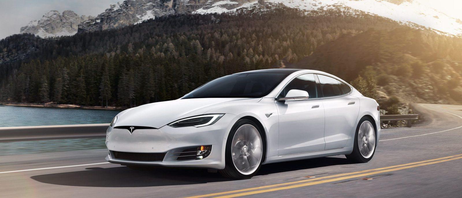 Сеть супермаркетов подала в суд на Tesla 1