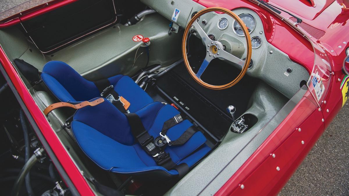 За первую среднемоторную Ferrari в истории попросили 10 миллионов 3