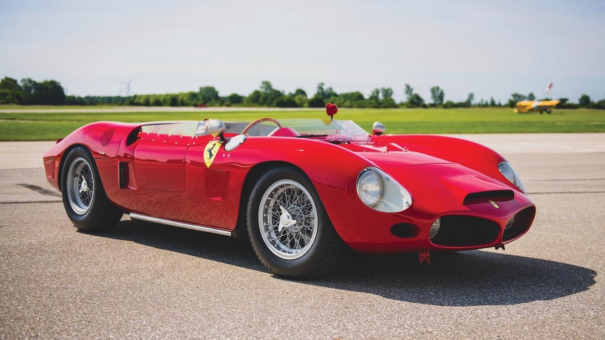 За первую среднемоторную Ferrari в истории попросили 10 миллионов 2