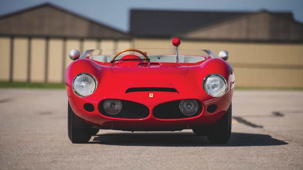 За первую среднемоторную Ferrari в истории попросили 10 миллионов 1