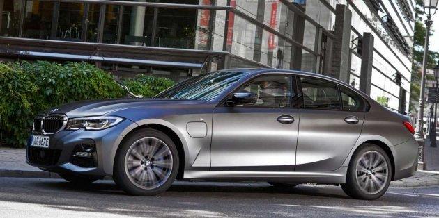 BMW представил плагин-гибридное исполнение обновлённого седана 3 Series 1