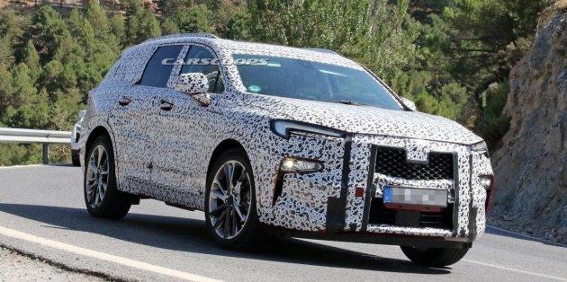 Компания Opel вывела на тесты новый трехрядный внедорожник 1