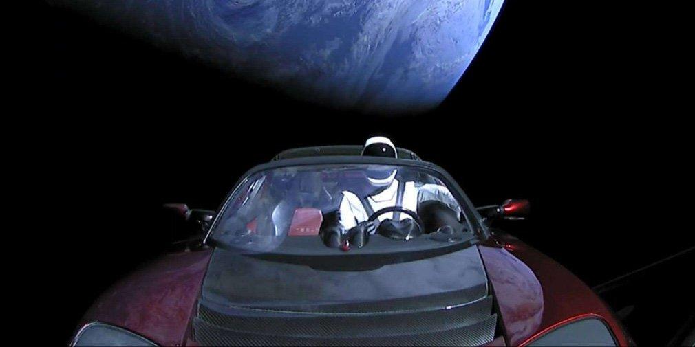 Космический Tesla Roadster совершил первый оборот вокруг Солнца 1