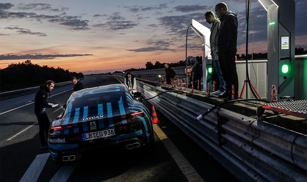 Первый электрокар Porsche совершил 24-часовой заезд на выносливость 1