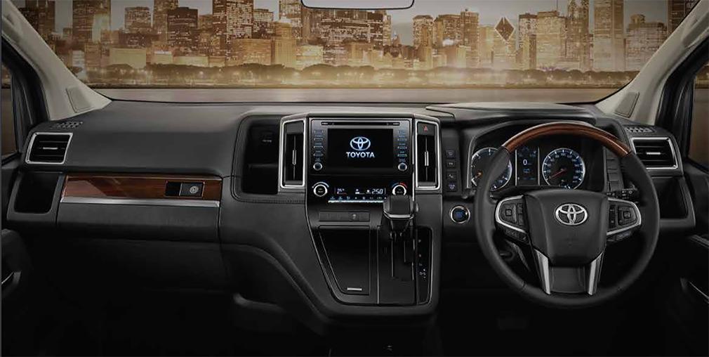 Toyota представила роскошный минивэн 2