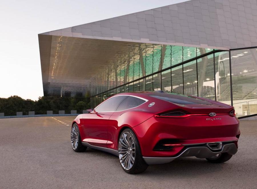 Ford готовит новую глобальную модель — кроссовер Mondeo Evos 2