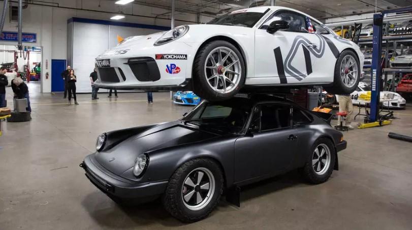 Американцы поставили на крышу Porsche 911 ещё один Porsche 1