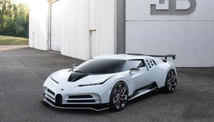 В Калифорнии был представлен новый гиперкар Bugatti 1