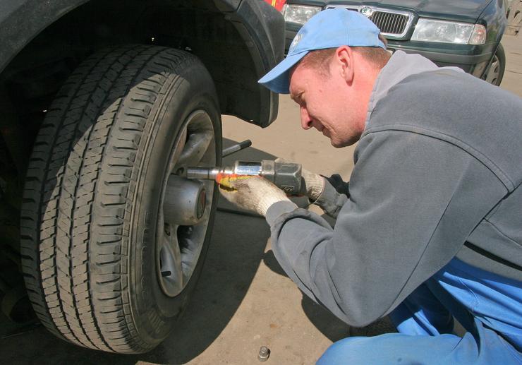 Грубейшая ошибка при замене колеса, которую допускают почти в любом шиномонтаже 1