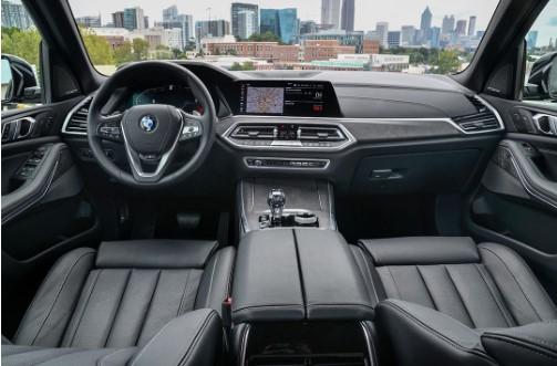 Похожий на Mercedes кроссовер оказазался копией BMW внутри 2