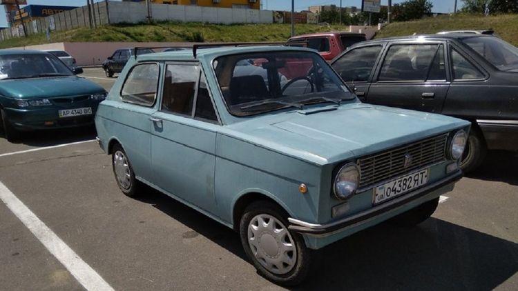 В Украине видели редкий самодельный автомобиль «Азов» 1