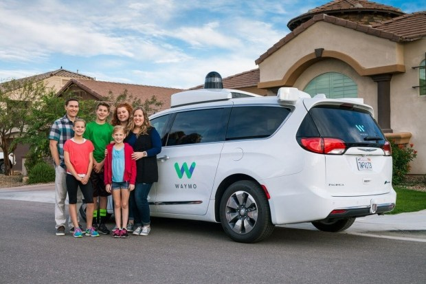 Waymo запускает беспилотные машины без водителя-тестировщика 2
